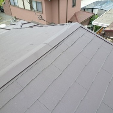 屋根の上葺きで簡単リフォームの施工後写真(1枚目)