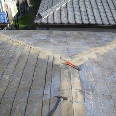 カバー工法で屋根の葺き替え 完了手前