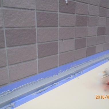 シャッター施工中 壁