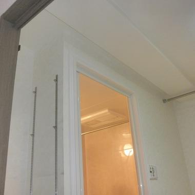 浴室入口 上部