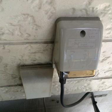 屋外防水コンセント取替え