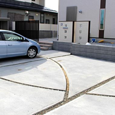 戸建て駐車スペースコンクリートへリフォーム