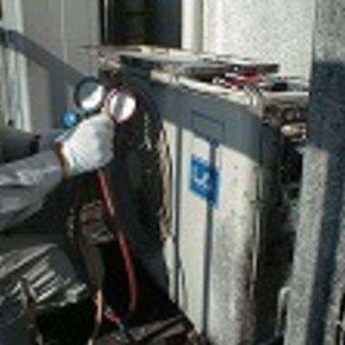 家庭用エアコン 室外機修理