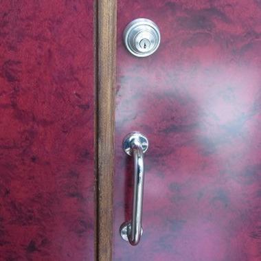 鍵取付後のドア