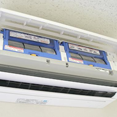 お掃除機能付きエアコン クリーニング