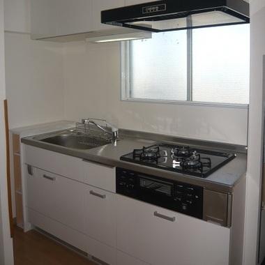マンション2部屋をワンルームにリフォームした後のキッチン