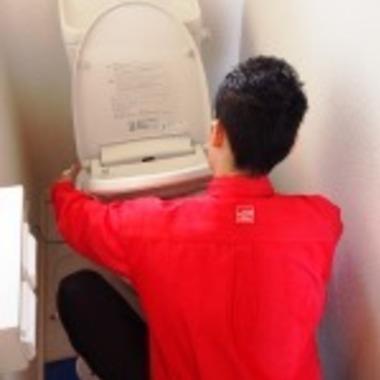 トイレクリーニング中