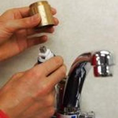 水栓金具の交換1