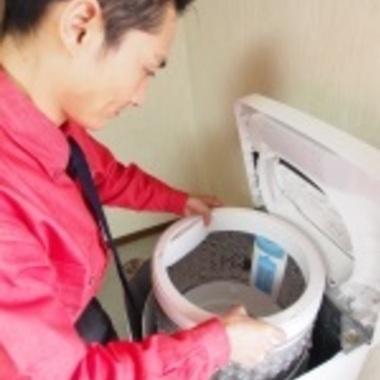 洗濯槽クリーニング作業