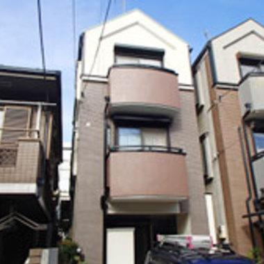 横浜市西区 塗装して新築のような家にの施工後写真(0枚目)