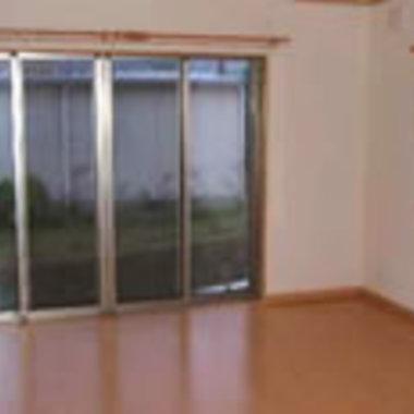 内装工事後 床とクロス貼