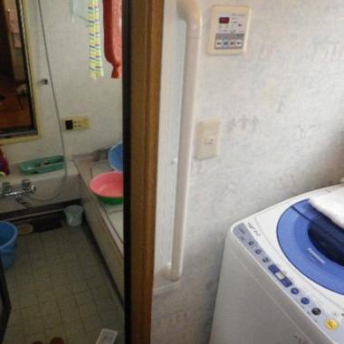 浴室の手すり取付工事