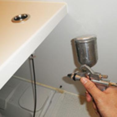 エプロン内部高圧洗浄作業中 3