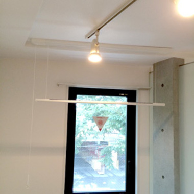 室内干し用のハンガー掛け設置後の室内