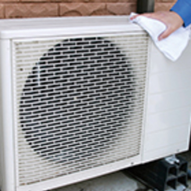 エアコン室外機の拭き掃除