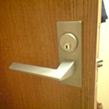 室内ドアのカギ交換後