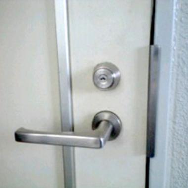 カギ交換のドア