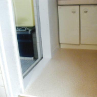 改装後の洗面所床