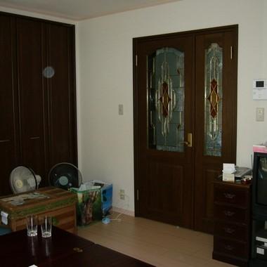 リフォーム後のステンドグラス付き室内ドア