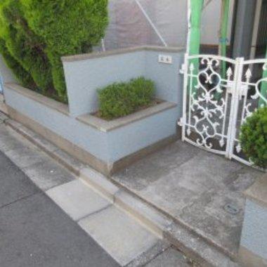 外壁塗装工事後の玄関