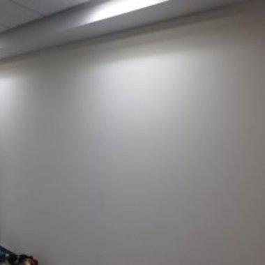 事務所天井・壁塗装補修工事後