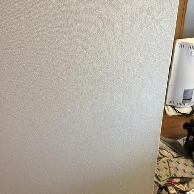 壁の穴補修終了