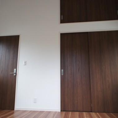 新築工事 収納・ドア