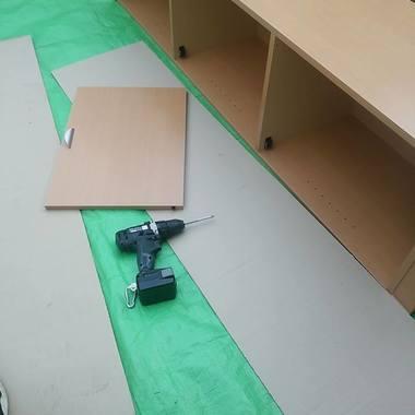 家具組み立て作業