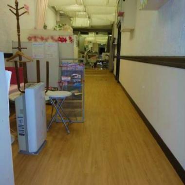 美容室 床フロアタイル貼り工事 完了