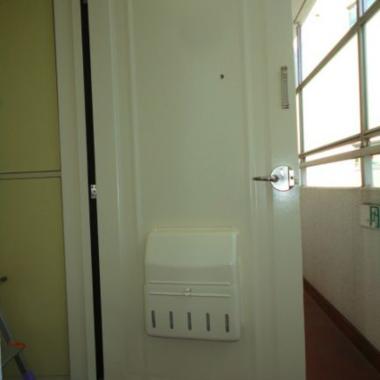 玄関ドア塗装工事 完了