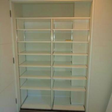 子供室 単行本用可動棚取付工事 完了