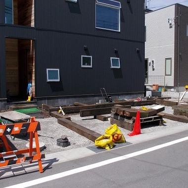 土間コンクリート舗装工事風景