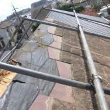 屋根修理風景