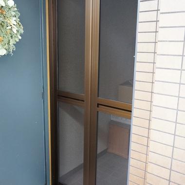 玄関網戸 オーダーサイズ変更作業完了 1