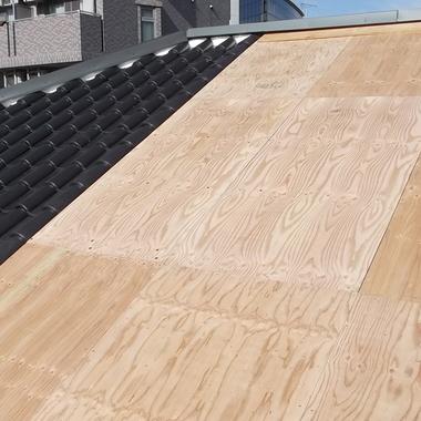 名古屋昭和区✕ソーラーパネルの修理✕施工が難しい所もお任せな工事の施工前写真(1枚目)
