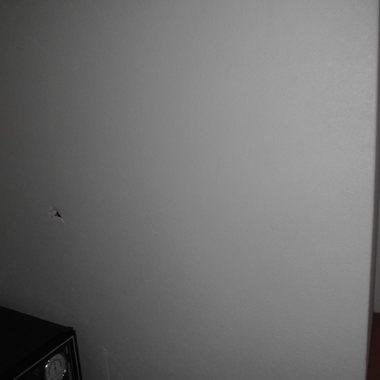 内装修繕 壁の穴
