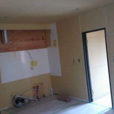 壁面 床の工事途中