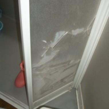 浴室のドアを交換前
