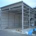 整備用の大型倉庫設置途中