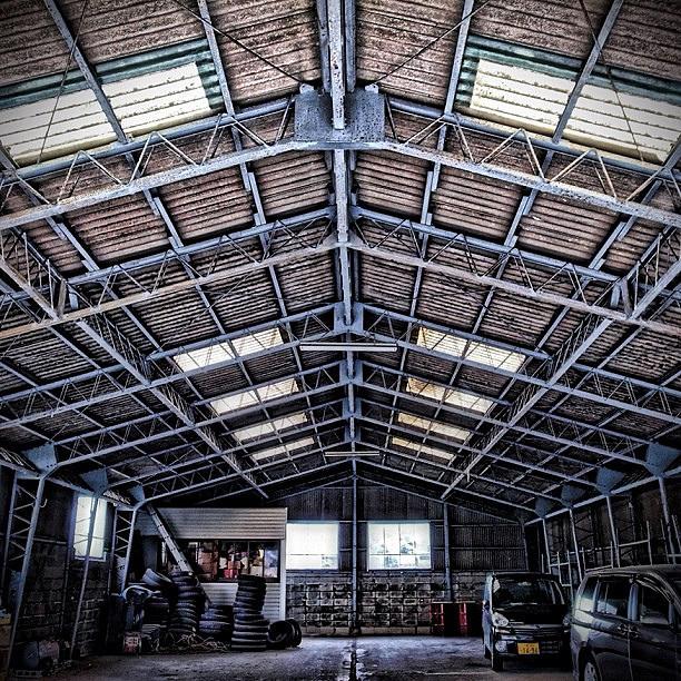 カーポート 設置 | ガレージ設置・修理の種類別 金額・費用相場とポイント