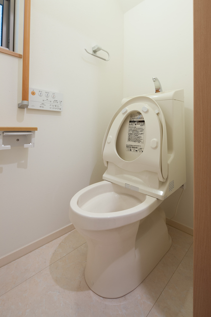 トイレ リフォーム | トイレの詰まり・水漏れ修理の施種類別 金額・費用相場とポイント