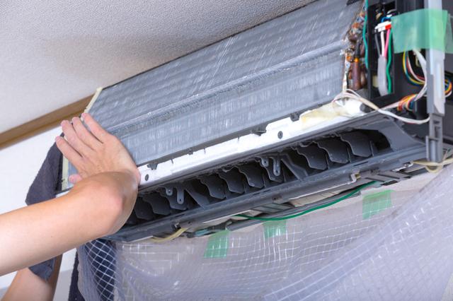 塗装 | エアコンクリーニングの種類別 金額・費用相場とポイント