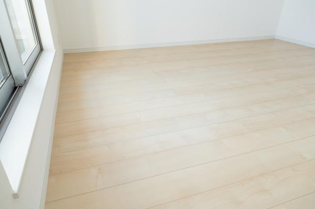 フローリング 張替え | 床工事の種類別 金額・費用相場とポイント