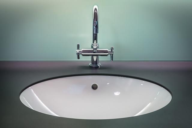 キッチン 水漏れ・つまり | 排水口・排水管つまりの修理方法と料金相場