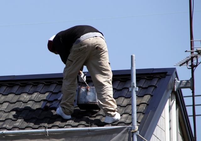 屋根塗装   屋根塗装の方法は?工事にかかる費用とメリット