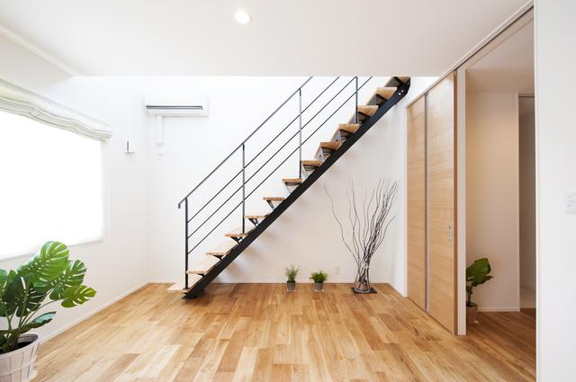 階段 リフォーム | 階段リフォーム金額・費用相場とポイント