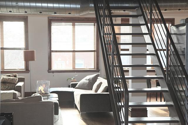 階段 リフォーム | 階段リフォームの施工箇所別 金額・費用相場とポイント