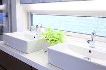 ノーリツの不要な機能を取り除いた洗面化粧台「SOPHINIA CRIE」の特徴