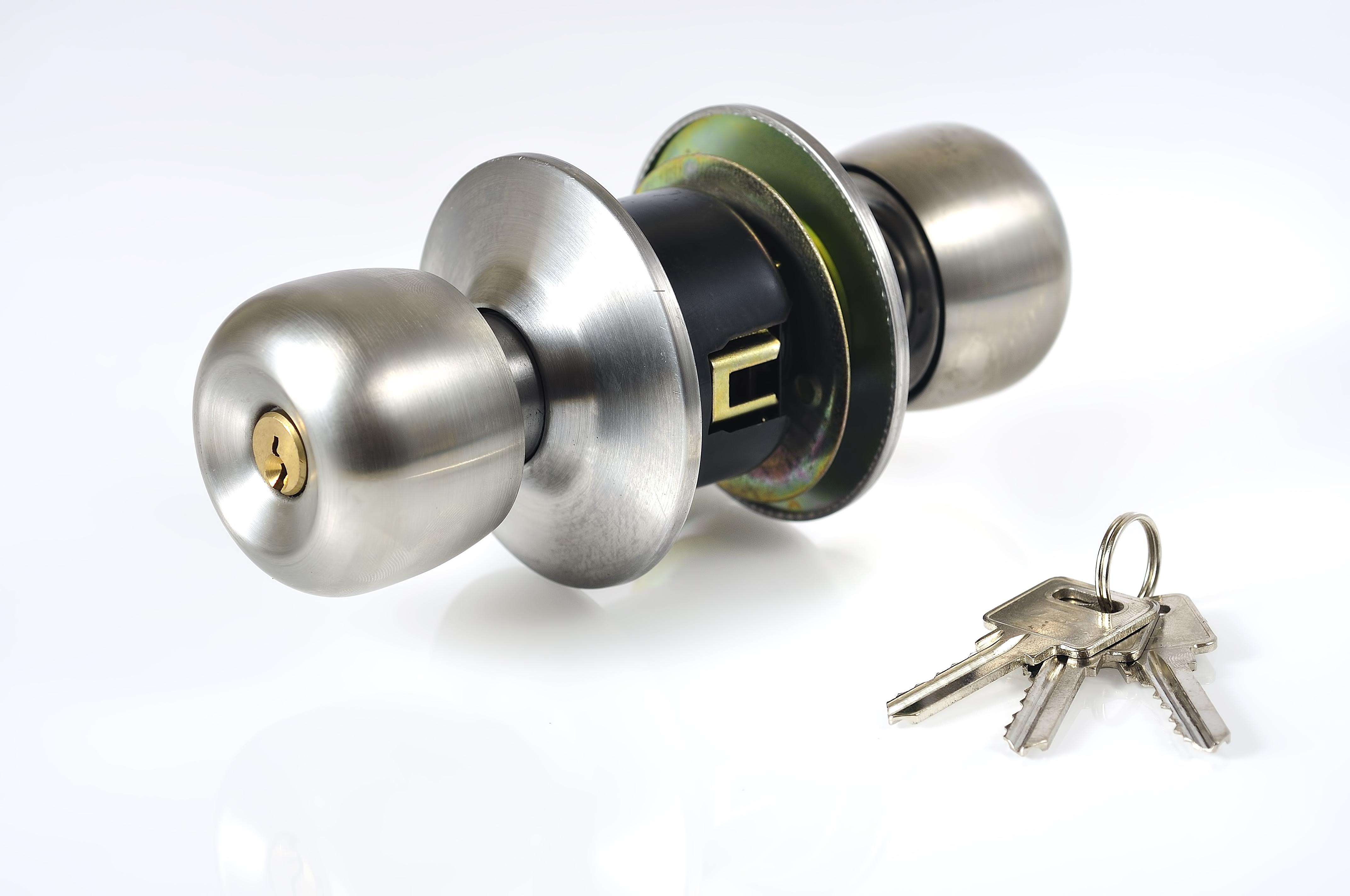 ドア 交換 | ドアノブ修理・交換の種類別 金額・費用相場とポイント